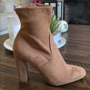 "STEVE MADDEN FAUX SUEDE SOCK ANKLE BOOT ❤️ 4"" heel"
